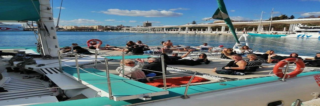 Paseo en catamarán Mundo Marino